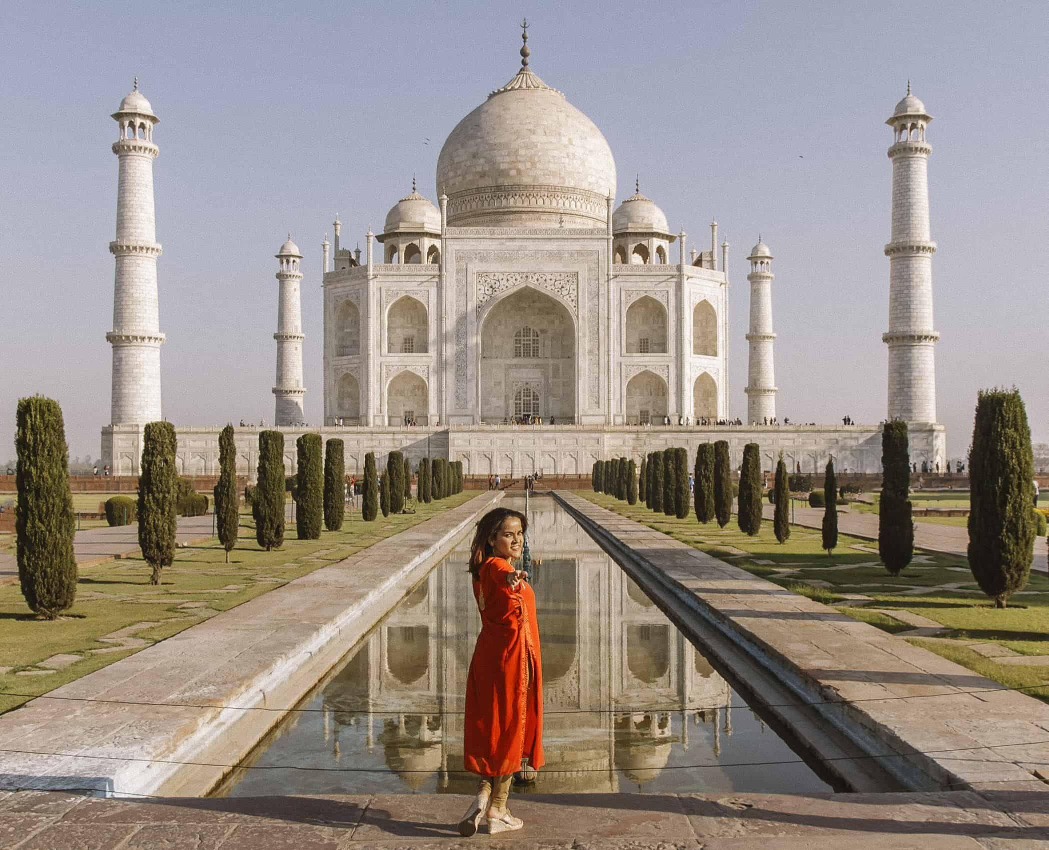 తాజ్ మహల్..ఎర్రకోటలో సందర్శకులకు అనుమతి